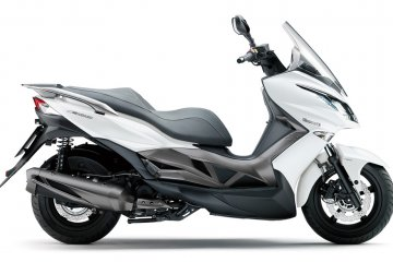 2015年モデル J300 ABS (SC300B)※欧州一般仕様
