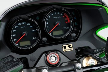 2015年モデル ZRX1200 DAEG カワサキ正規取扱店特別仕様車