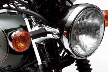 W800/ヘッドライト