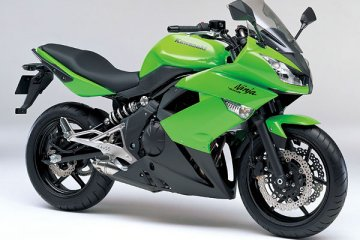 2011年モデル Ninja400R ライムグリーン