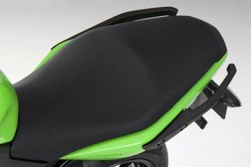 2011年モデル Ninja400R リヤシート