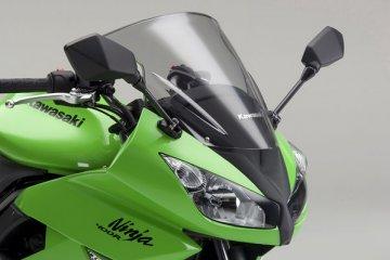 2011年モデル Ninja400R フロントまわり