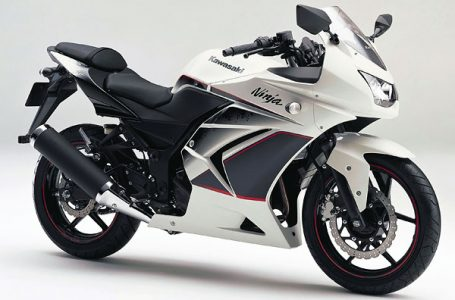 2011年モデル Ninja250R スペシャルエディション ホワイト
