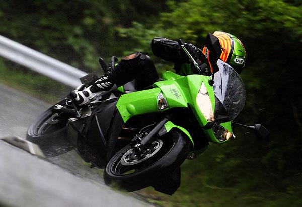 2011年モデル Ninja400R インプレッション
