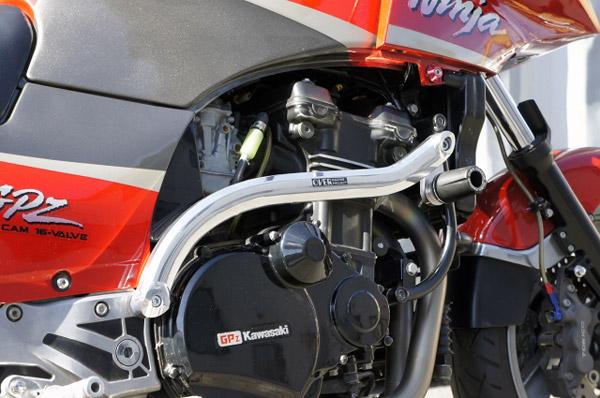 GPZ900R サブフレームキット&エンジンスライダーキット装着例