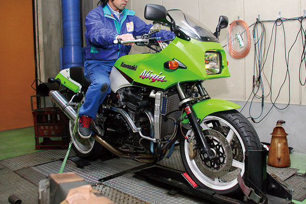あなたの愛車は何馬力? カワサキバイクマガジンがパワーチェック大会を開催!