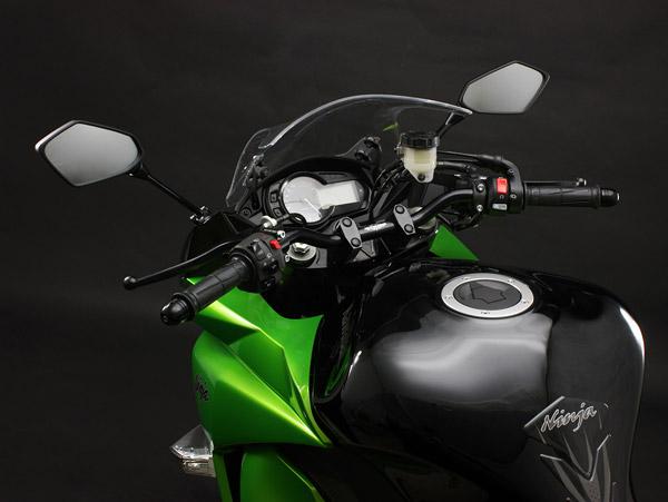 Ninja1000用 バーハンドルキット(ブラック)装着
