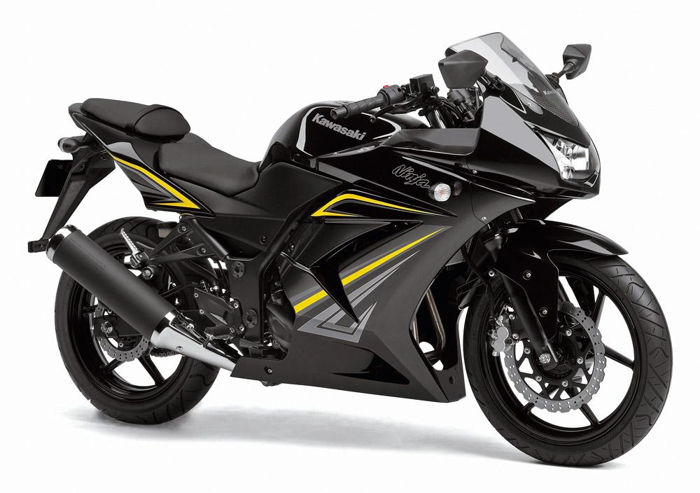 2012年モデル Ninja250R メタリックスパークブラック