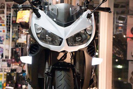 ボスコムジャパン Ninja1000用LEDフロントウインカー
