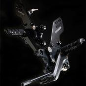 Ninja ZX-14R(12〜)/ZZR1400(〜11)用 ストライカー スポーツコンセプト(STC)ステップキット