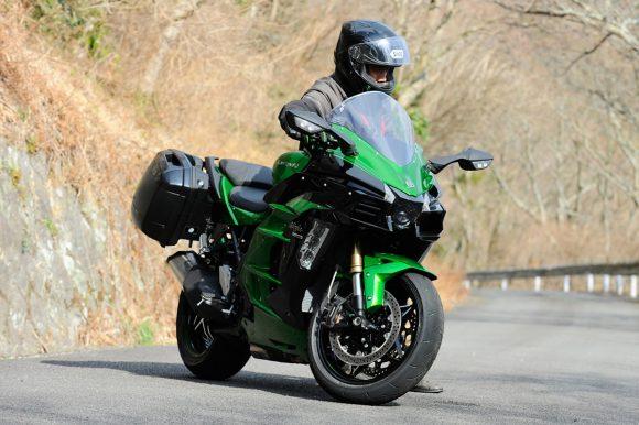 Ninja H2 SX SE 取り回し