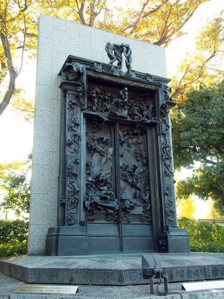 オーギュスト・ロダン(1840-1917年)作「地獄の門」