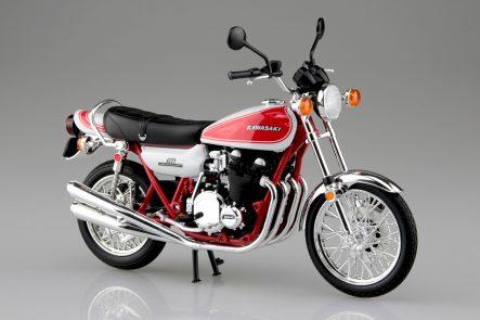 青島文化教材社 1/12 完成品バイク KAWASAKI 750RS(Z2) 赤白カラー