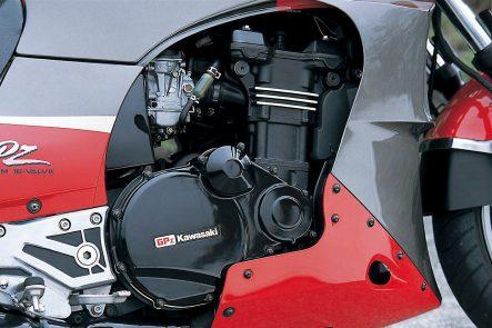 GPZ900R(A13) エンジン