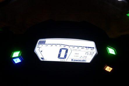 Ninja 250SL ABS KRT Edition(2016年モデル) メーター(夜間)