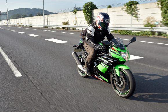 Ninja 250SL ABS KRT Edition(2016年モデル) 高速道路走行