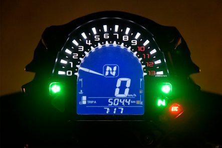2017 Z650 メーター(夜間)