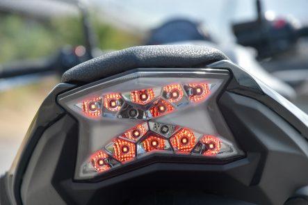 2017 Z650 テールランプの発光