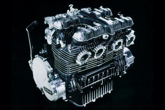 900 super4(Z1) エンジン
