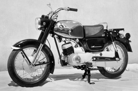 1963 B8