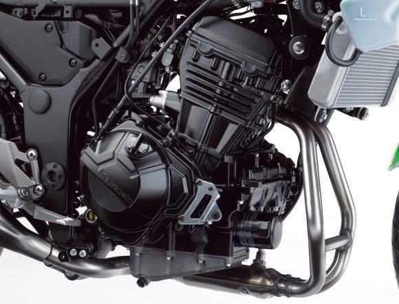 2014年モデル Ninja 250(EX250L) エンジン