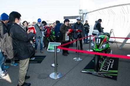 カワサキのブースには、Ninja ZX-10RRが展示