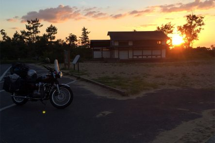 鳥取砂丘へと続く駐車場