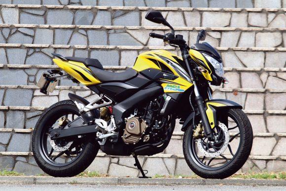 カワサキ・バジャジ パルサー200NS