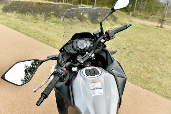 2017年モデル Versys-X 250(KLE250DHF) ハンドル切れ角