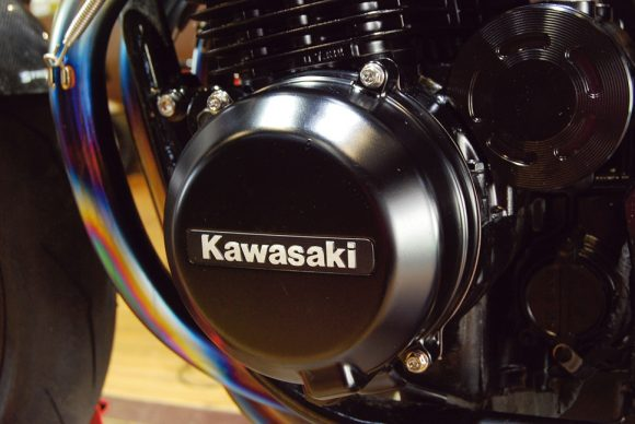 バグース! モーターサイクル ゼファー750/1100用チタンエンジンカバーボルトセット