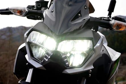 2019年モデル Z250(ER250EKF) ヘッドライト(ハイ)