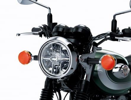 2020年モデル W800 ヘッドライト