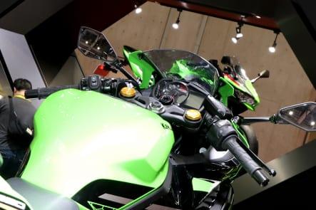 東京モーターショー2019 Ninja ZX-25R コクピット周辺