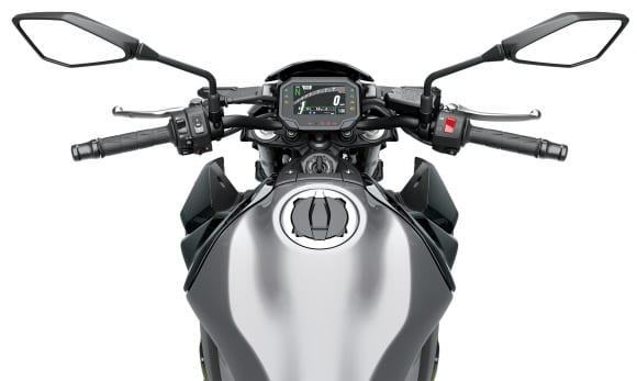2020年モデル Z900 ハンドルまわり