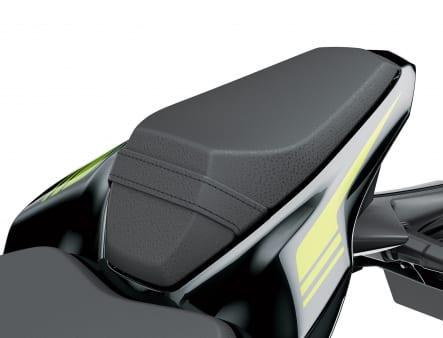 2020年モデル Z900 パッセンジャーシート