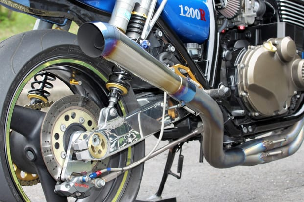 ZRX1200R リヤブレーキをフローティング化