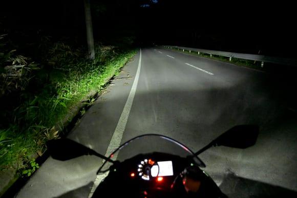 Ninja ZX-6Rインプレッション ヘッドライト(ロービーム)