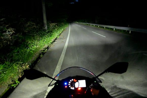Ninja ZX-6Rインプレッション ヘッドライト(ハイビーム)