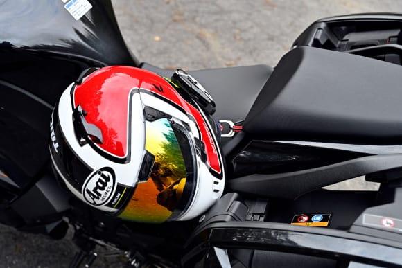 Ninja 1000インプレッション ヘルメットホルダー