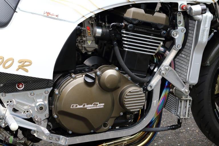 GPZ900Rカスタム エンジン