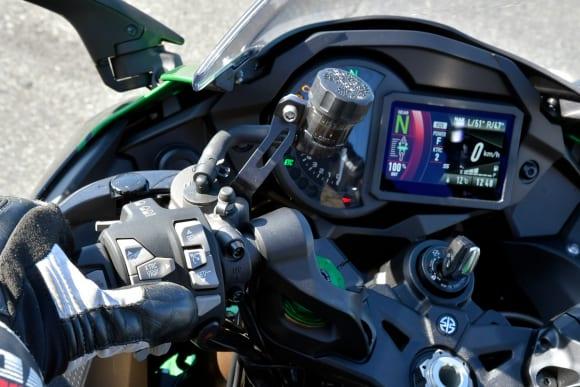 2018年モデル Ninja H2 SX SE(ZX1002BJF) メーター操作性