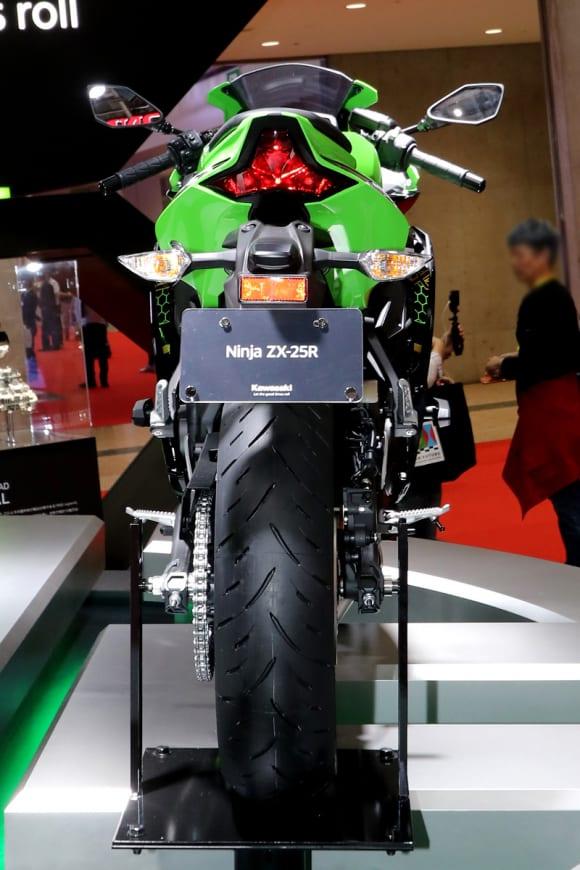 Ninja ZX-25R 背面