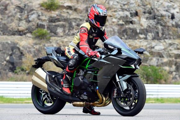 2017年モデル Ninja H2 足着き