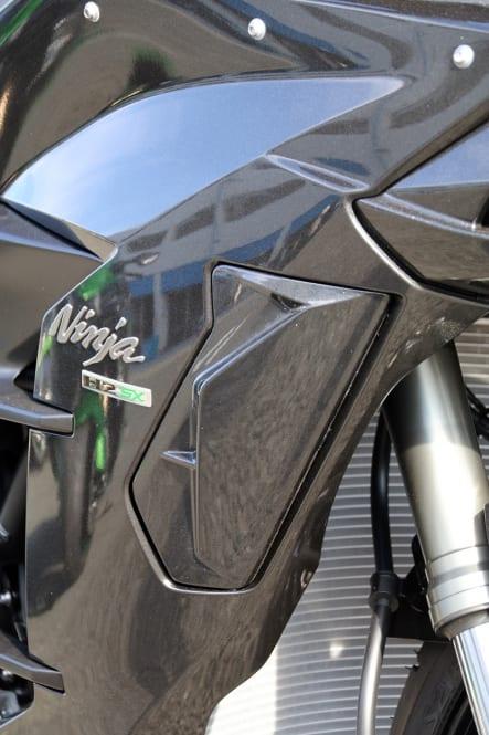 2019年モデル Ninja H2 SX コーナリングライトカバー