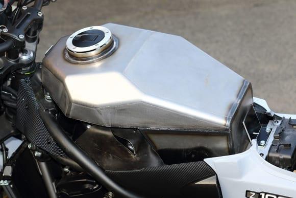 ドレミコレクション Z900RS用外装キット インナータンク