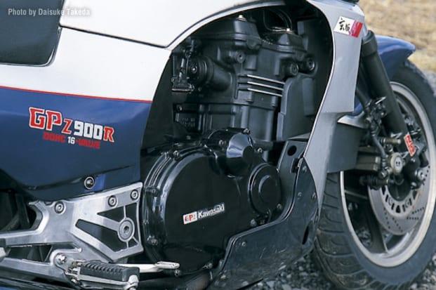 1984 GPZ900R エンジン