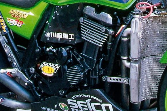 鈴鹿8耐 チーム38・ZRX1100(1998) エンジン