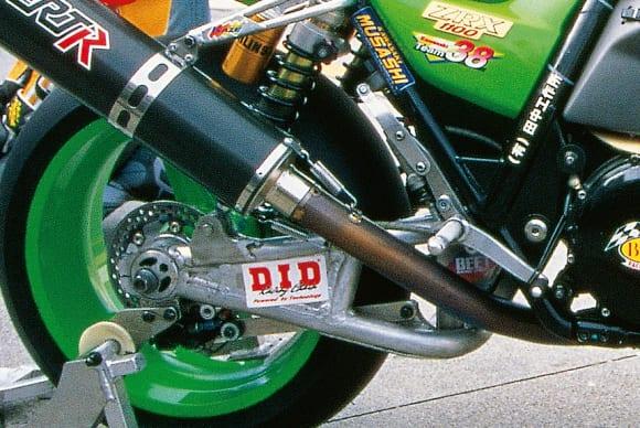 鈴鹿8耐 チーム38・ZRX1100(1998) スイングアーム