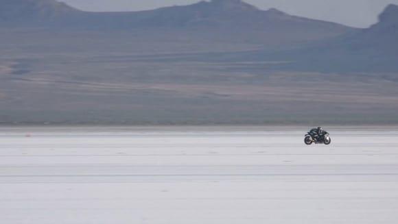 川崎重工 企業ブランドムービー「カワる、サキへ。」『モーターサイクル篇』(105秒)