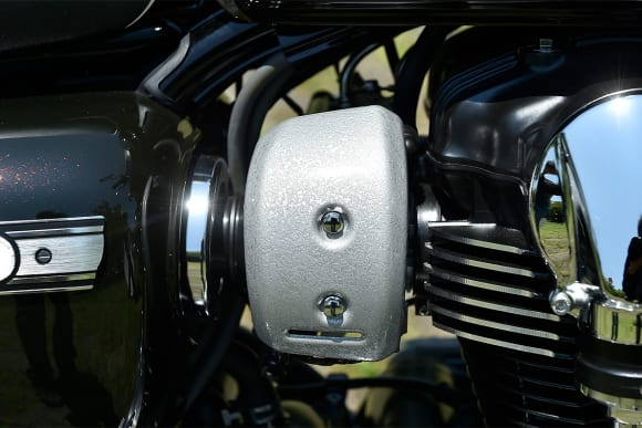 2016年モデル W800 Final Edition フューエルインジェクションカバー